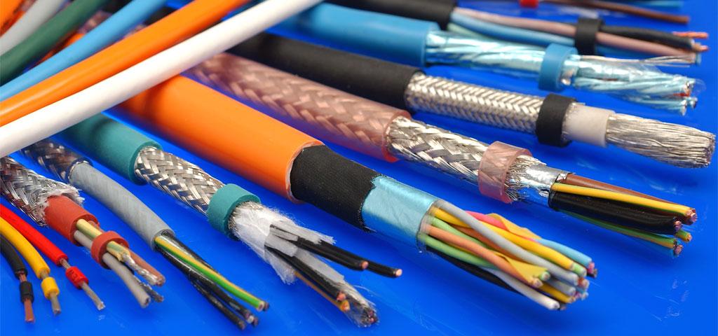 Verschiedene Kabel von Helukabel